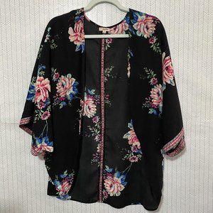 4/$25 LILY WHITE Floral Kimono